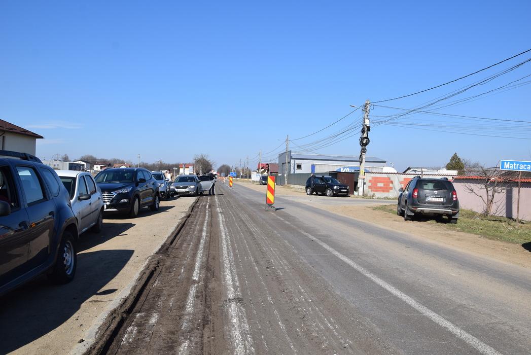 Au demarat lucrările de modernizare a DJ 711, care tranzitează Târgovişte și comunele Ulmi, Comișani, Bucșani și Băleni