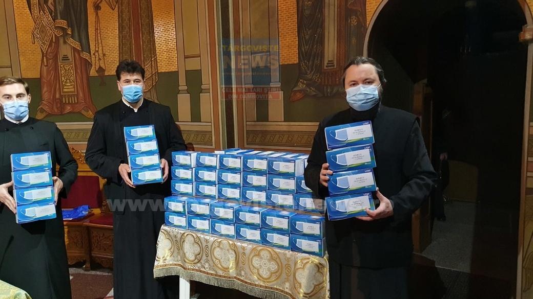 430 de mii de măşti au fost oferite angajaţilor neclaricali de la parohii, mănăstiri şi centre sociale