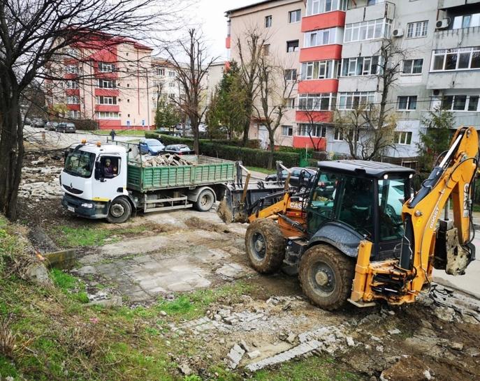 """Târgovişte: """"Drum lărgit și pistă de biciclete spre """"Dâmbovița Mall"""""""
