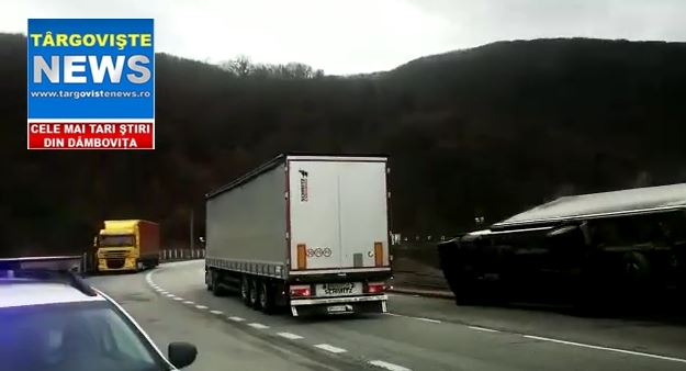 VIDEO – Autoutilitară doborâtă de vânt, pe barajul de la Călimăneşti