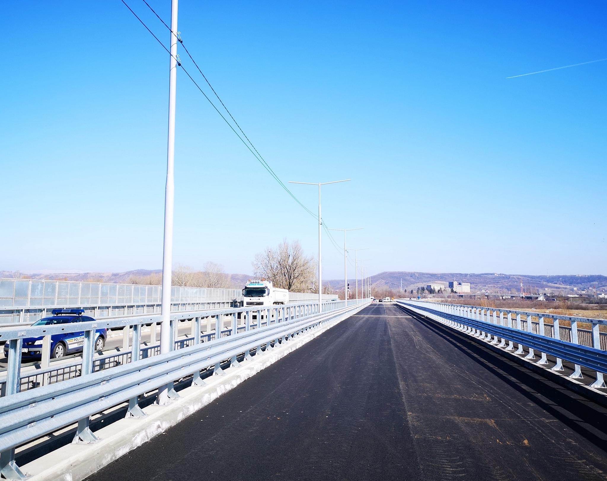 """""""A fost turnat stratul final de asfalt pe podul nou de la Teiș"""""""