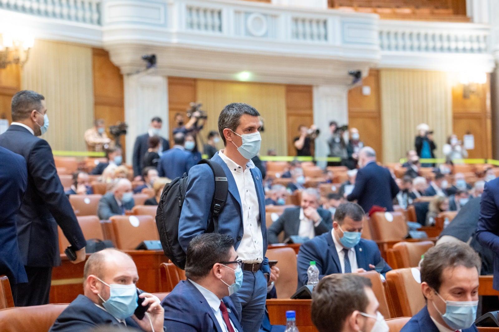 """Dragoș Popescu, senator USR PLUS de Dâmbovița, dezvăluiri despre """"cacealmaua"""" PSD"""