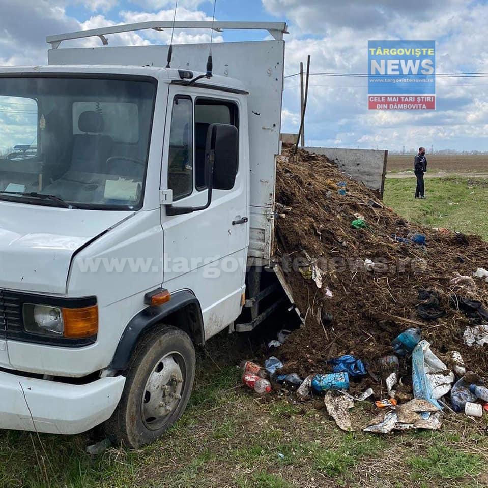 Găeşti – L-au amendat cu 30 de mii de lei şi i-au confiscat maşina, după ce şi-a aruncat gunoiul pe câmp