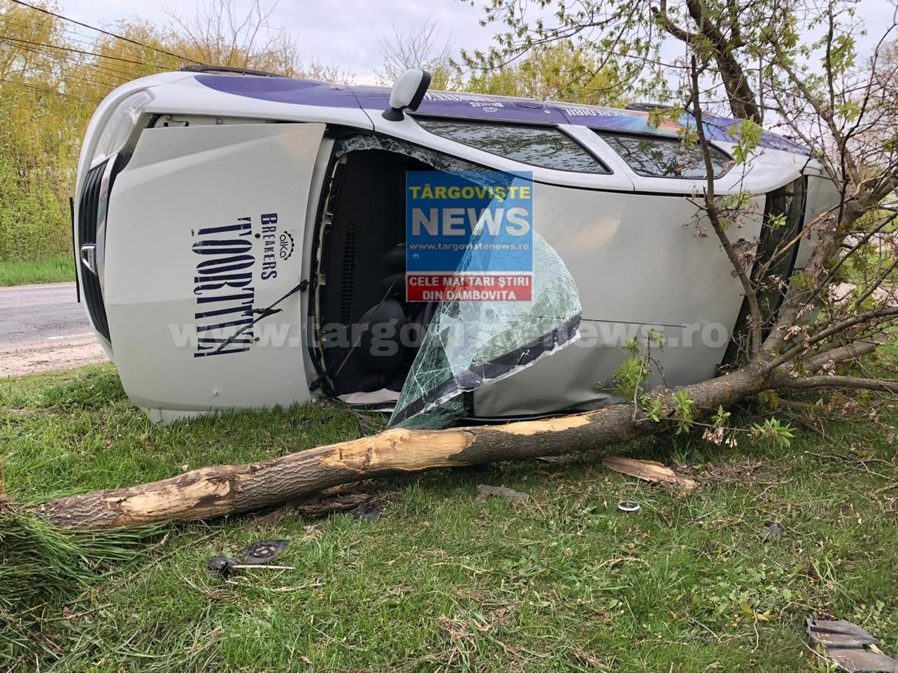 Un şofer s-a răsturnat cu maşina pe DN1A, la Butimanu