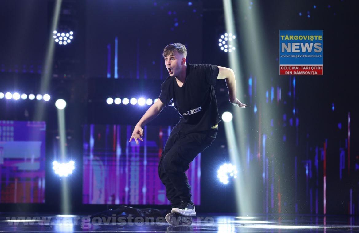 Târgovişteanul Nikolas a.k.a TheSofa a impresionat jurații de la Românii au talent, cu un stil de dans inedit!