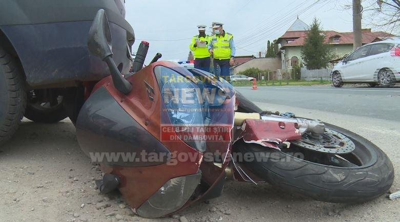 Un motociclist a fost grav rănit, la Răcari. Manevra făcută de o şoferiţă începătoare