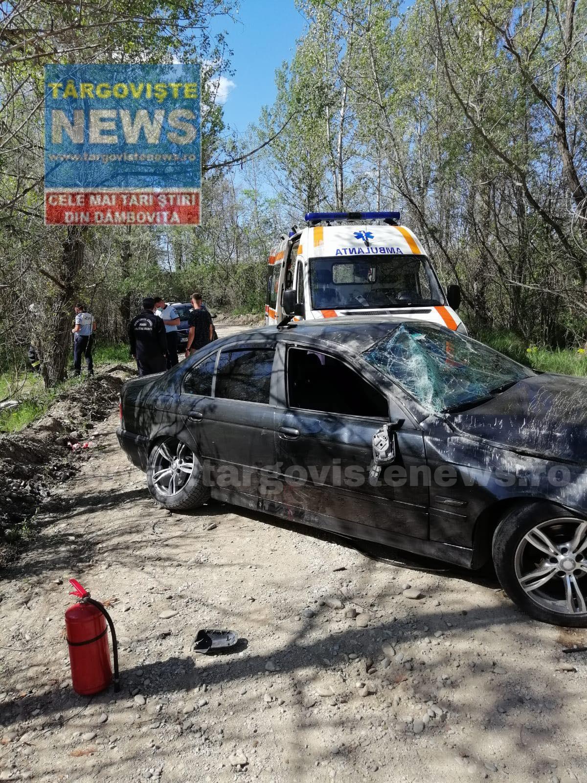 Un şofer s-a răsturnat cu maşina în pădurea de la Geangoeşti