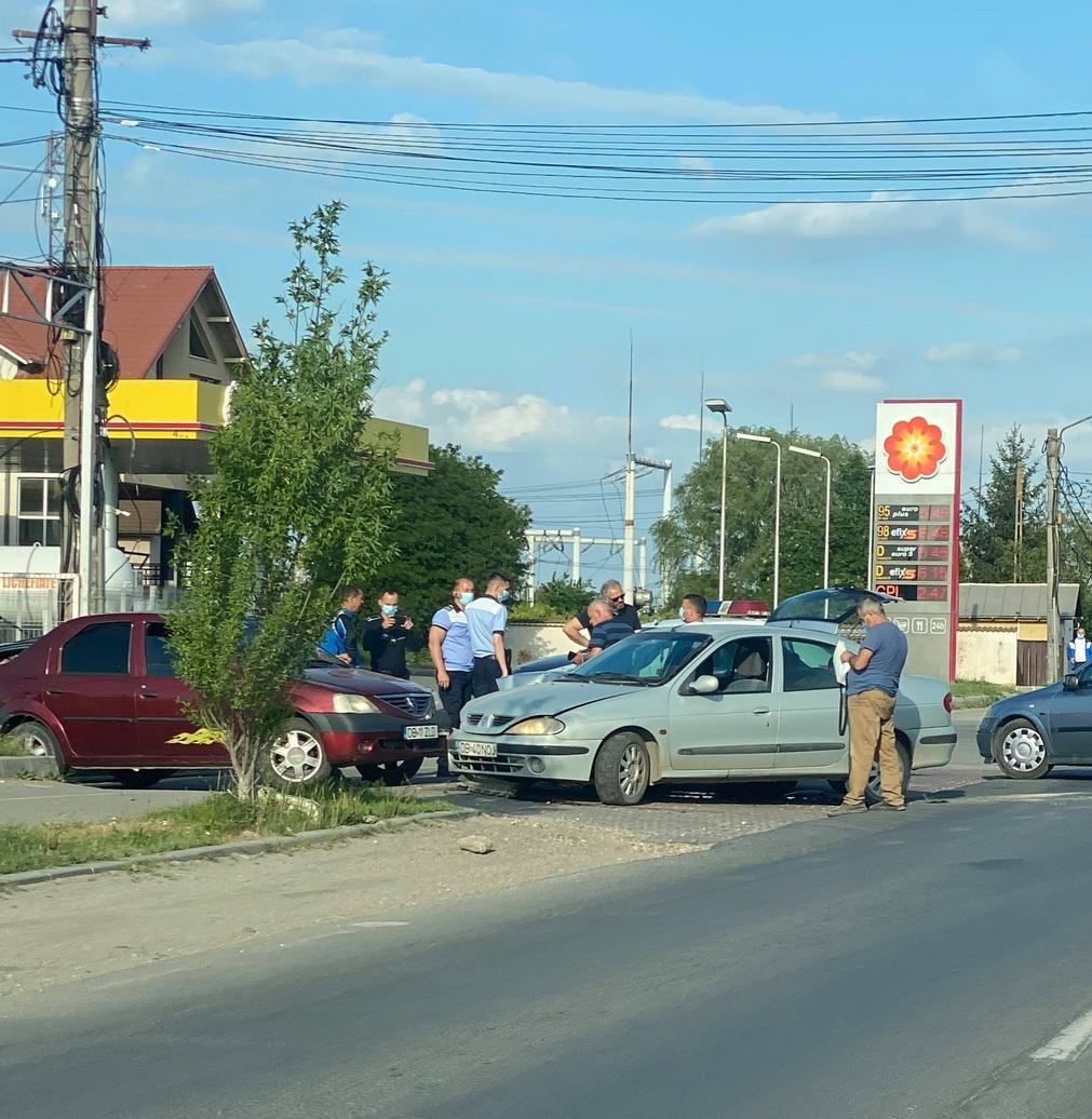 Accident la intrarea în Găești. Un tânăr a fost rănit