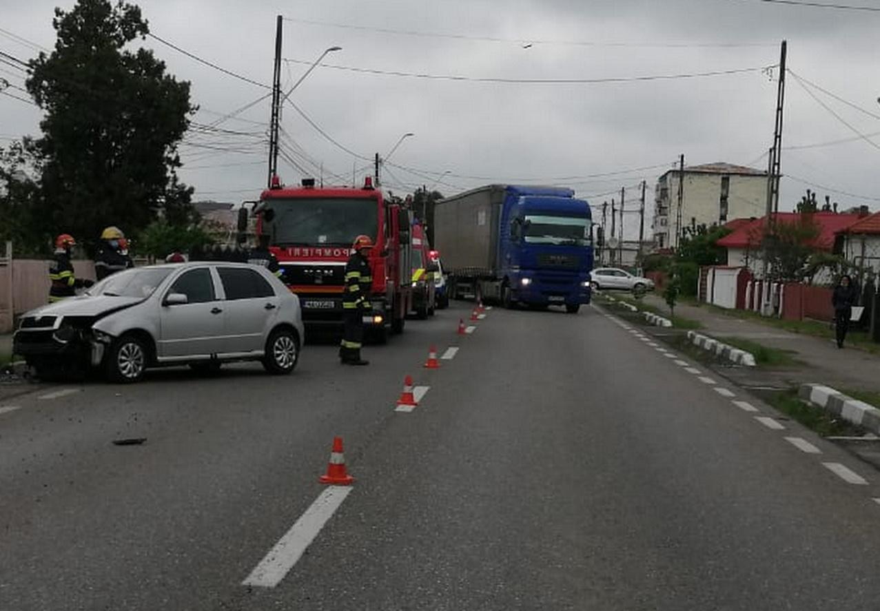 Accident de circulație, în Găești. Un șofer a fost rănit