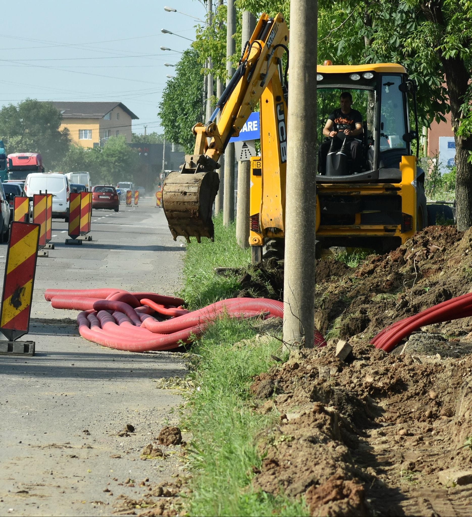Peste 3000 de mașini intră, zi de zi, pe șoseaua Găești din Târgoviște. Când vor fi gata lucrările de reabilitare