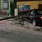FOTO – VIDEO. Cursă nebună cu poliţia pe urme, azi-noapte, în Târgovişte! Un şofer începător a făcut prăpăd