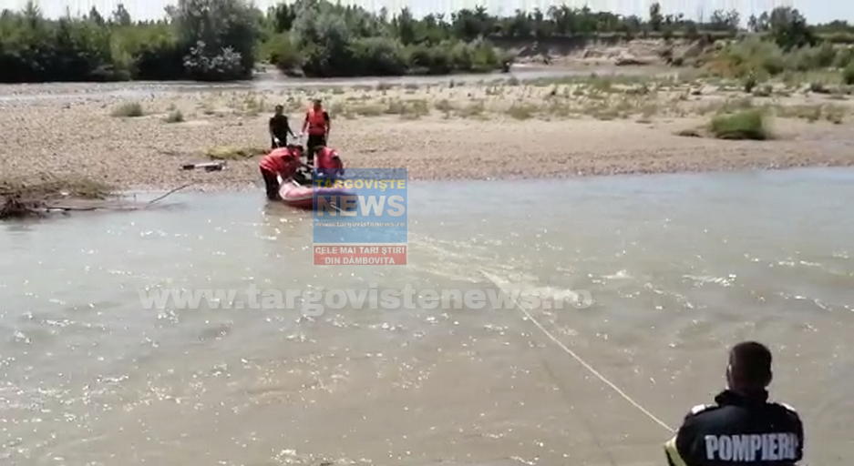 Descoperire şocantă, la Zăvoiu, în Mogoşani. Un trecător a zărit un cadavru pe malul râului