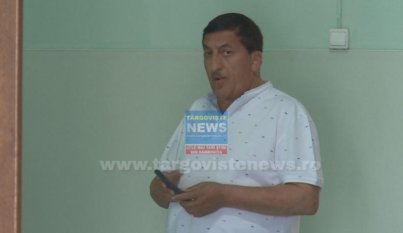 Arest la domiciliu pentru primarul comunei Cojasca şi pentru 4 funcţionari publici. Alţi doi angajaţi au recunoscut faptele