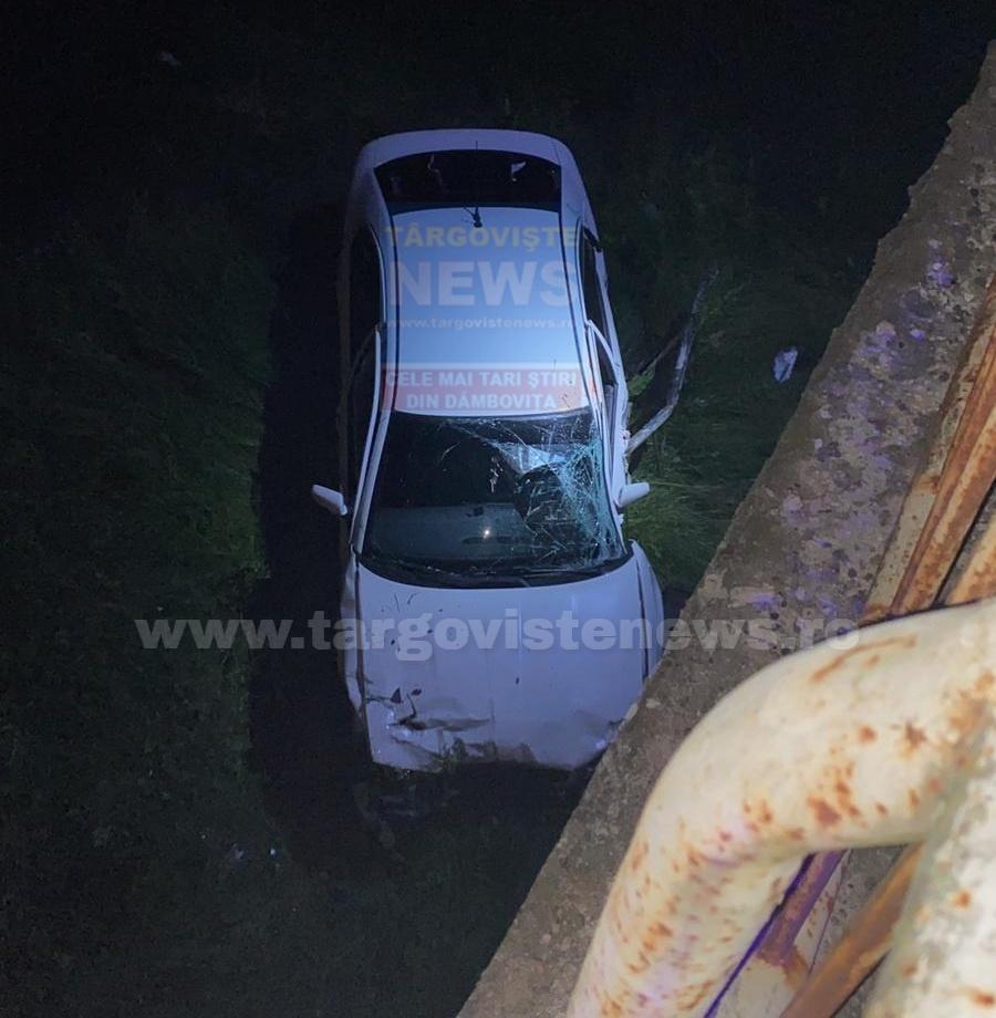 Accident, azi-noapte, la Hulubeşti. Un şofer a căzut cu maşina de pe pod