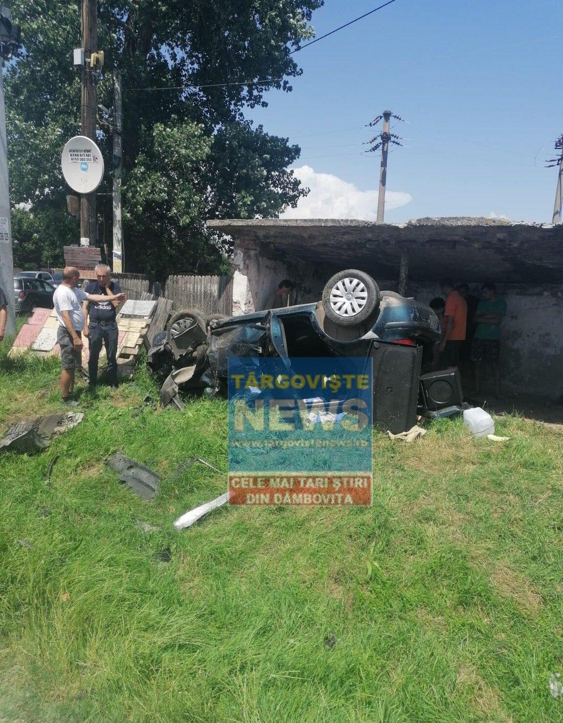 Doi copii, de 6 și 11 ani și trei adulți, răniți după ce două mașini s-au izbit în intersecția de la Racovița