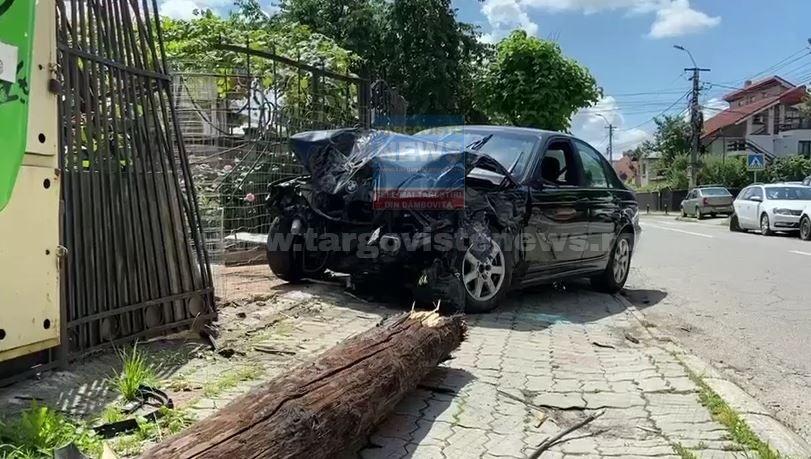 Noi imagini şi detalii de la accidentul din Târgovişte. Drifturi, accident şi distrugere