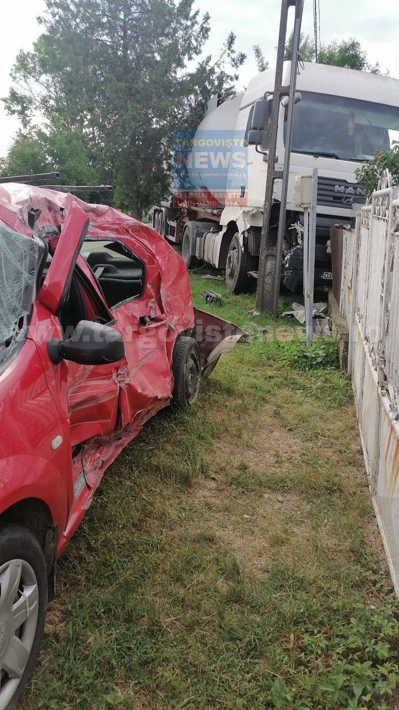 Şofer încarcerat după ce maşina pe care o conducea s-a izbit de o autocisternă, la Ştefăneşti