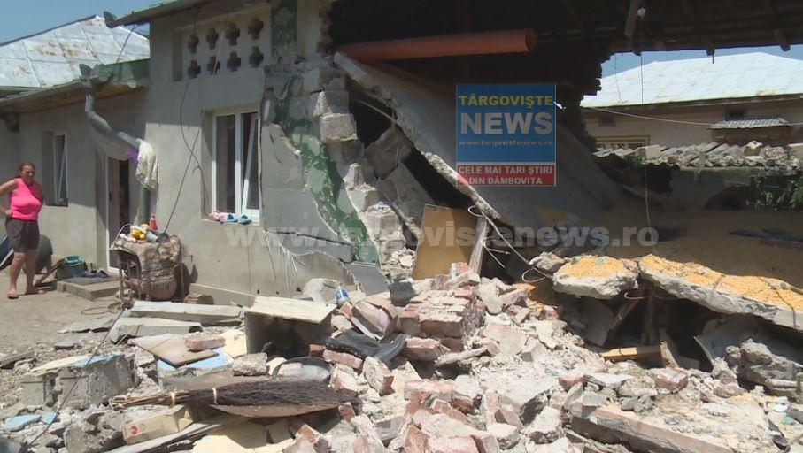 FOTO – VIDEO. O explozie a distrus locuința unor gospodari din comuna Mătăsaru