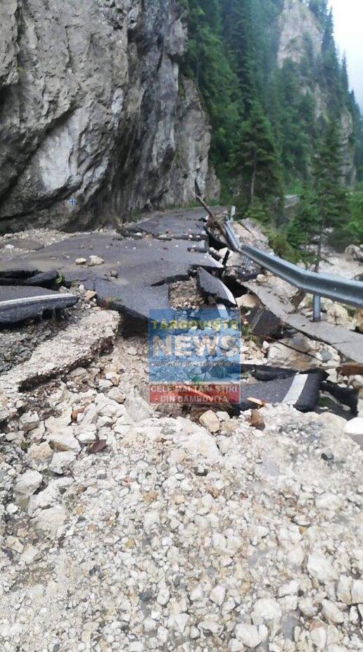 """Comitetul Județean pentru Situații de Urgență – """"Cel mai mult a avut de suferit DJ714, zona Cheile Tătarului: au fost avariate grav drumul și două poduri pe o porțiune de 200 de metri"""""""