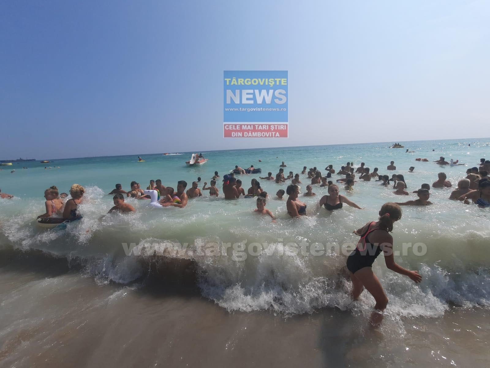 O sută de copii sărmani, din Glodeni, au văzut pentru prima dată marea. Ce oameni minunaţi le-au împlinit visul
