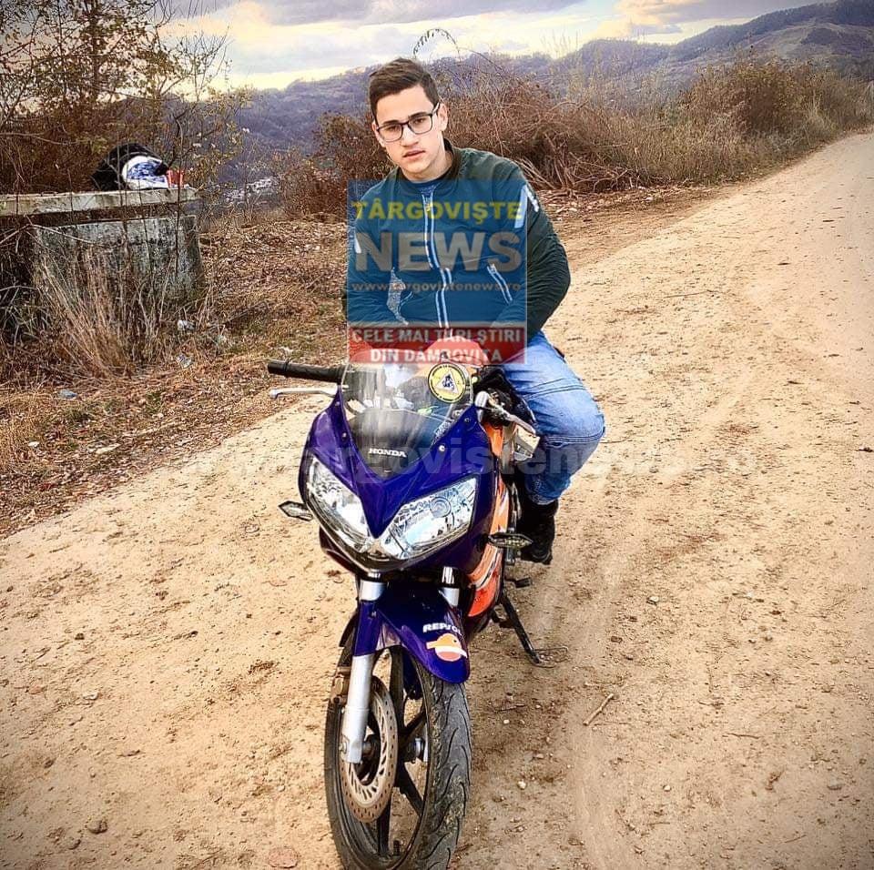 Alex, un motociclist de numai 19 ani a murit nevinovat într-un accident cumplit, la Dragomireşti