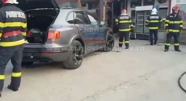Accident cu pagube uriașe în Târgoviște. Un șofer și-a distrus bolidul de o sută de mii de euro