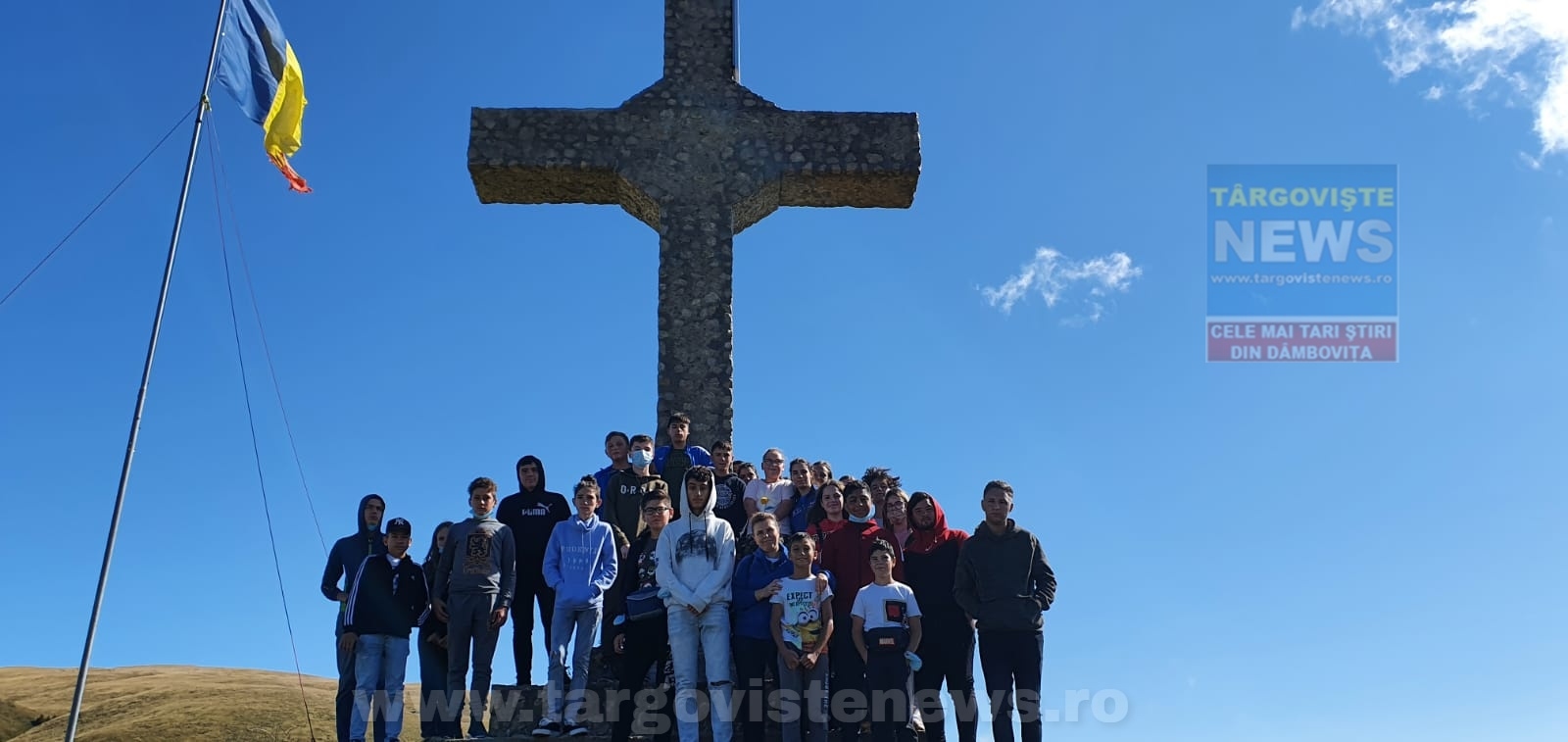 30 de copii cu rezultate bune la învăţătură au primit cadou o tabără la munte