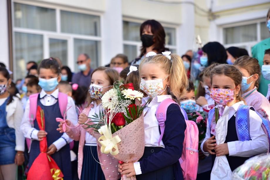 """Primarul din Găeşti, mesaj la responsabilitate – """"Pandemia nu s-a încheiat. Este important să respectăm cu strictețe măsurile stabilite de autorități, pentru a ne proteja pe noi și pe cei dragi nouă"""""""